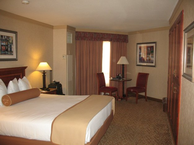 Harrahs Las Vegas Room