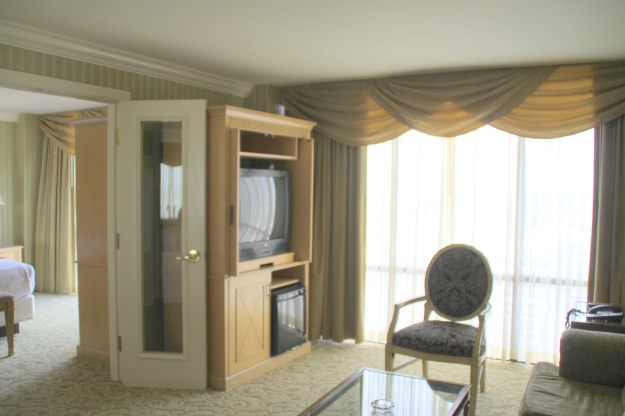 Tump Plaza living room suite