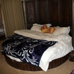Lijiang, China: Round Bed, Choking on Altitude and Getting Westernered
