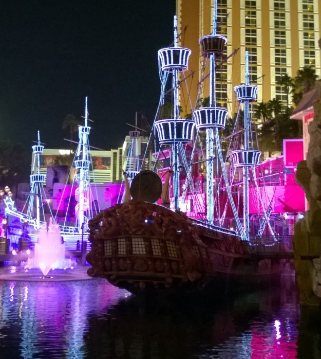 treasure island las vegas pirate ship