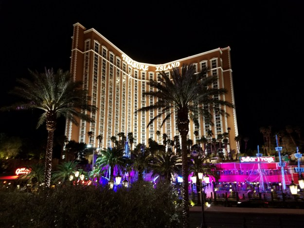 treasure island las vegas night