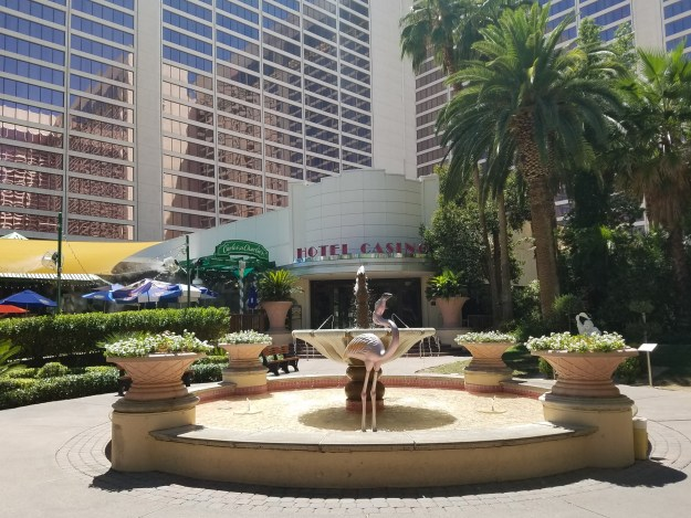 flamingo las vegas water fountain