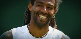 Dustin Brown advances at Wimbledon
