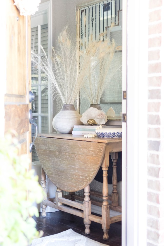 entryway-console-table-fall-decorating-irisnacole-com