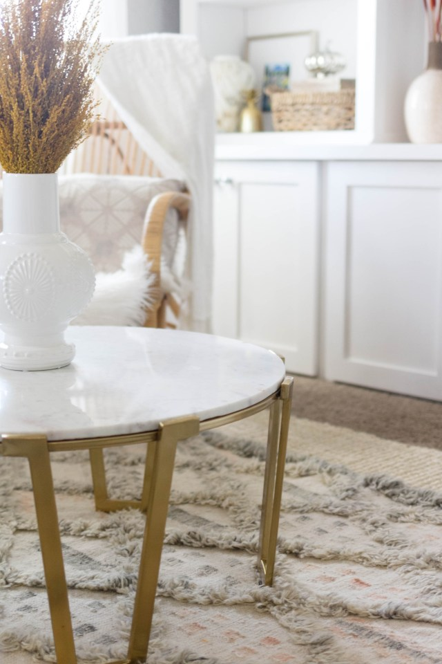 marble-top-coffee-table-fall-home-tour-irisnacole-com