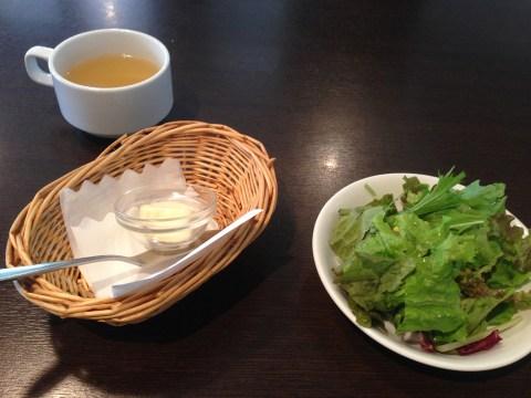 サラダとスープバー
