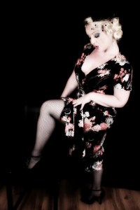 Burlesque Artiste Pretty S'Vere courtesy of World of Oddy photography