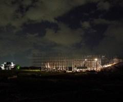 平城宮跡に今回の劇場の姿が現れてくる。