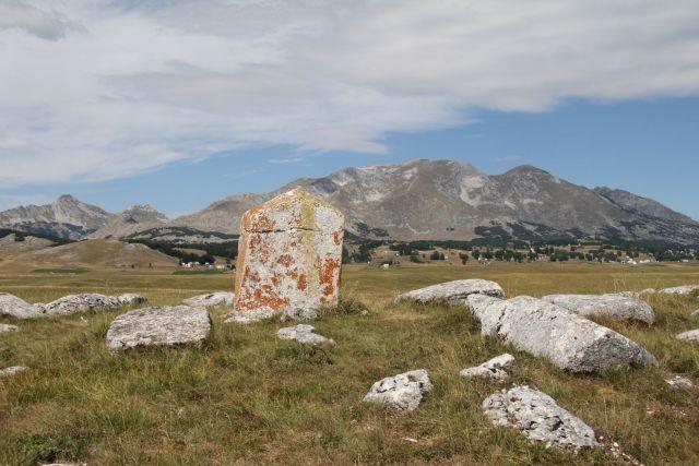 Pemakaman Medieval, (montenegro-for.me)