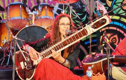 American sitarist Amie Maciszewski performing at Music Mela 2016 in Islamabad, Pakistan