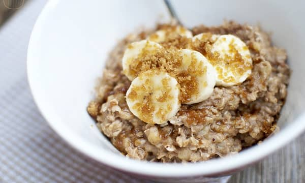 Oats Porridge with Bananas and Almonds