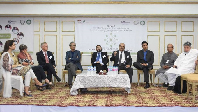Government, Media and Citizens discuss ways to improve Right to Information in Pakistan