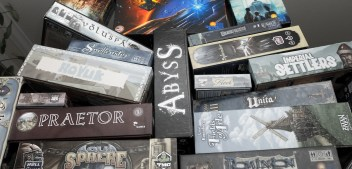 Roll For The Galaxy - Stack of games