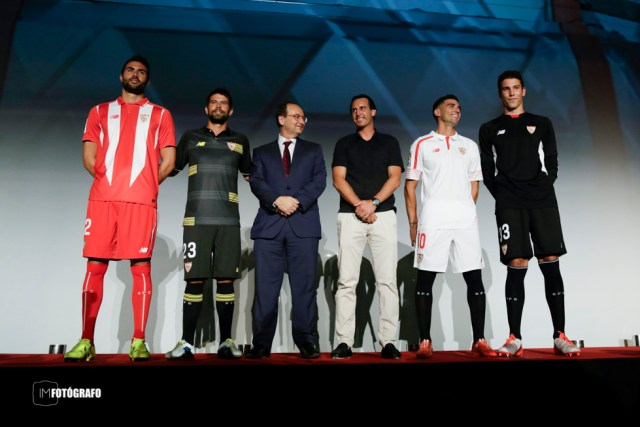 Presentación camisetas Sevilla FC 15/16