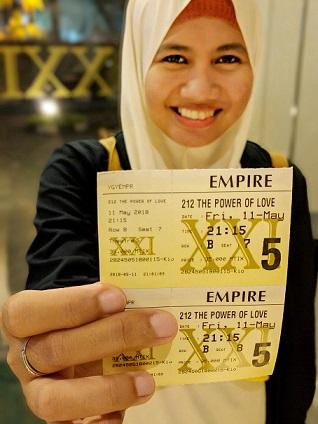tiket film 212