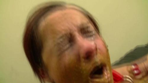 mother daughter pee