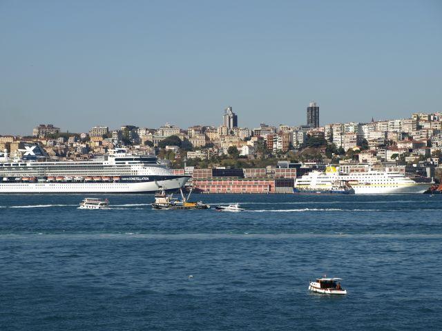 Häuser und Schiffe