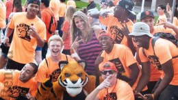 Students with Benny at new student orientation