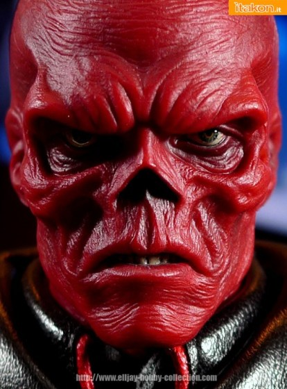 """Hot Toys: MMS-167 """"THE FIRST AVENGER"""" Captain America Red Skull - Galleria Fotografica"""