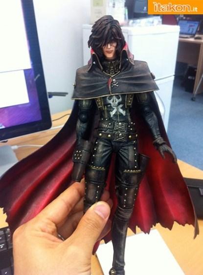 Square Enix: Le Play Arts Kai di Capitan Harlock e Yuuki Kei - Anteprima