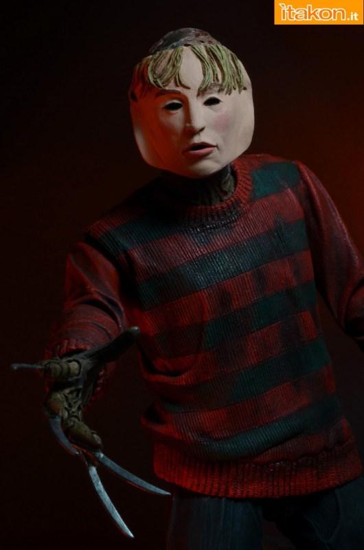[NECA] A Nightmare On Elm Street: Freddy Krueger (30th Anniversary Ultimate ver.) NECA-Ultimate-Freddy-025
