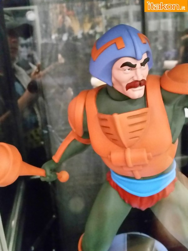 "[Pop Culture Shock] Masters Of The Universe: Man-At-Arms ""Mentor"" Statue - Página 2 Nycc-2014-pop-culture-shock-22"