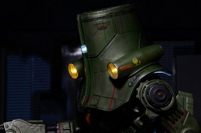 [NECA][Tópico Oficial] Pacific Rim: Jaegers Series 6 - Página 5 Pacific-Rim-18-Inch-Cherno-Alpha-005