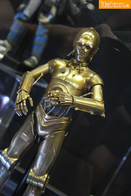 [Sideshow] Star Wars: C-3PO Sixth Scale Figure Preview-Night-Sideshow261