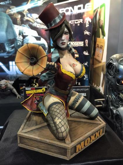 Chronicle-Borderlands-2-Mad-Moxxi-Statue-001