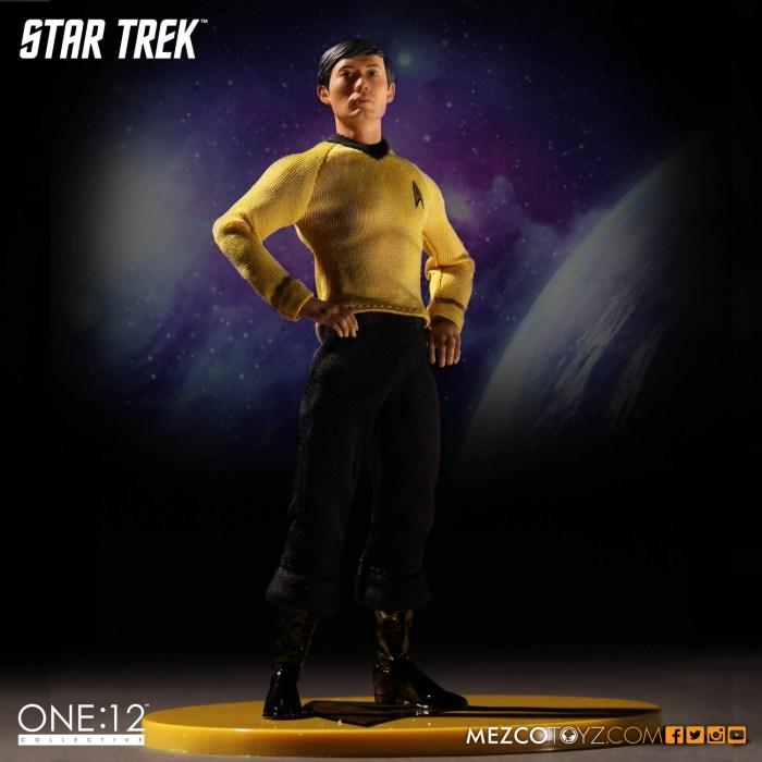 Mezco-One12-Star-Trek-Sulu-003