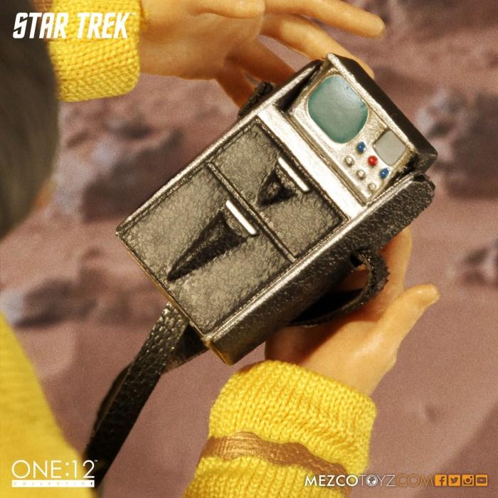 Mezco-One12-Star-Trek-Sulu-008