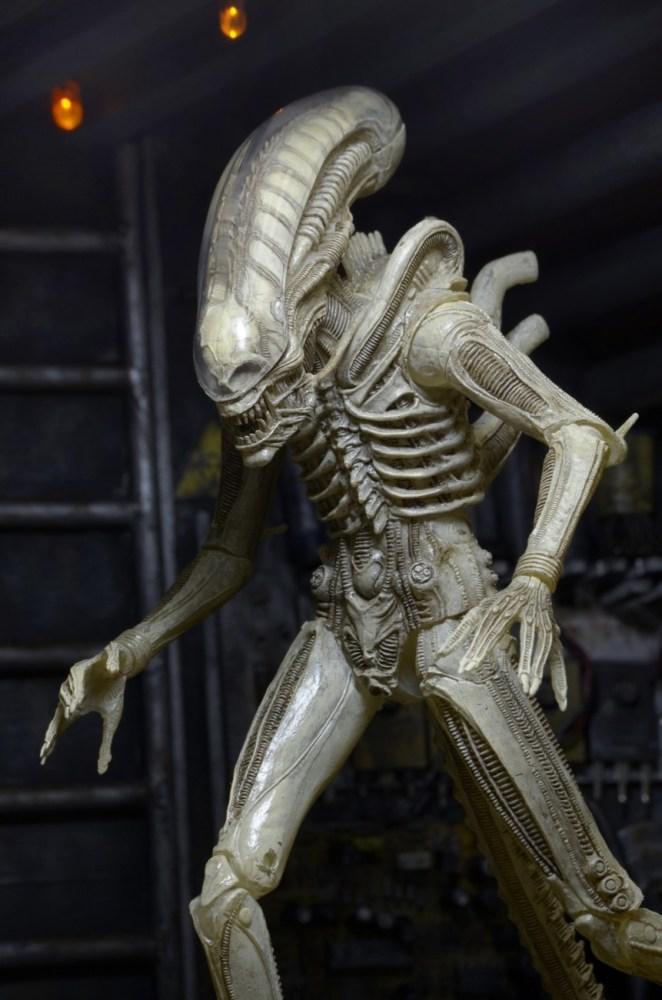 NECA-S7-Aliens-Official-003