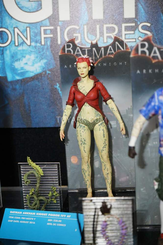 TF-2016-DC-Collectibles-Arkham-011