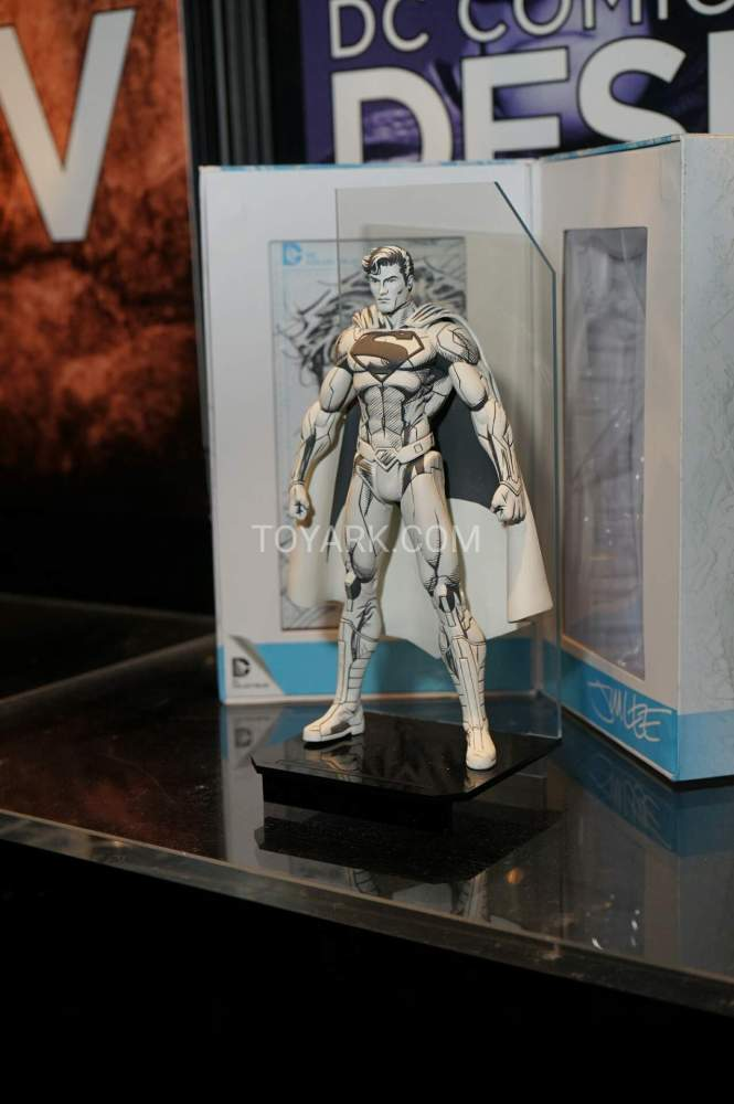 TF-2016-DC-Collectibles-Booth-026
