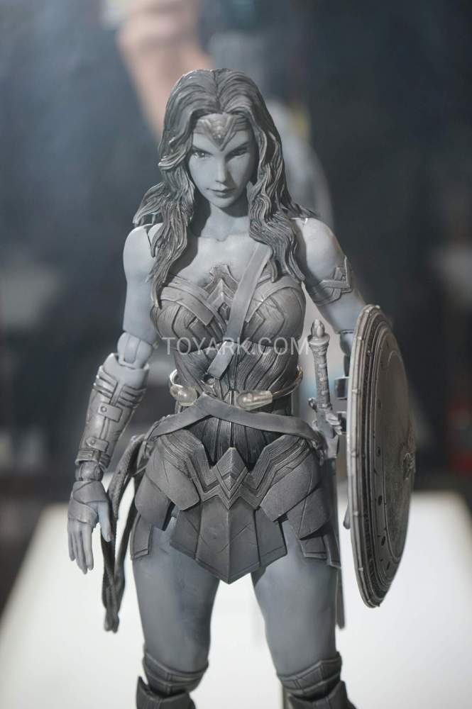 TF-2016-Play-Arts-Kai-DC-012