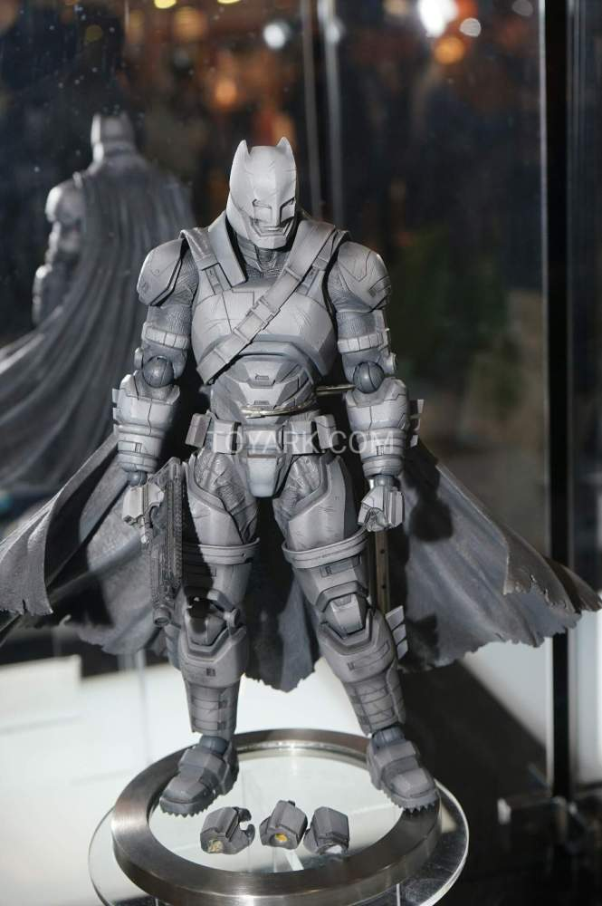 TF-2016-Play-Arts-Kai-DC-018