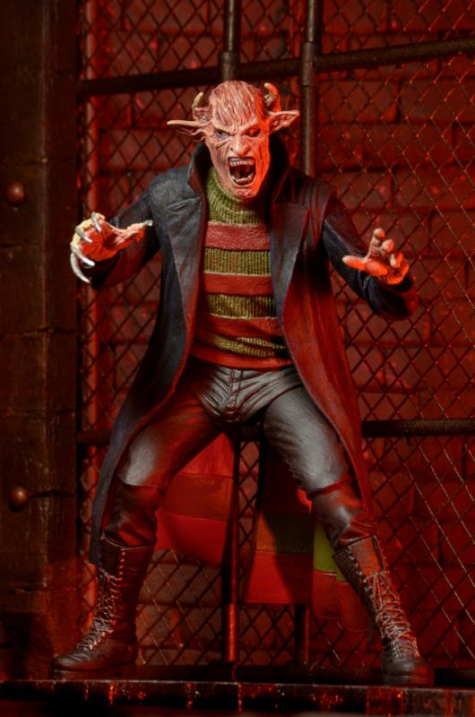 NECA-New-Nightmare-Freddy-2