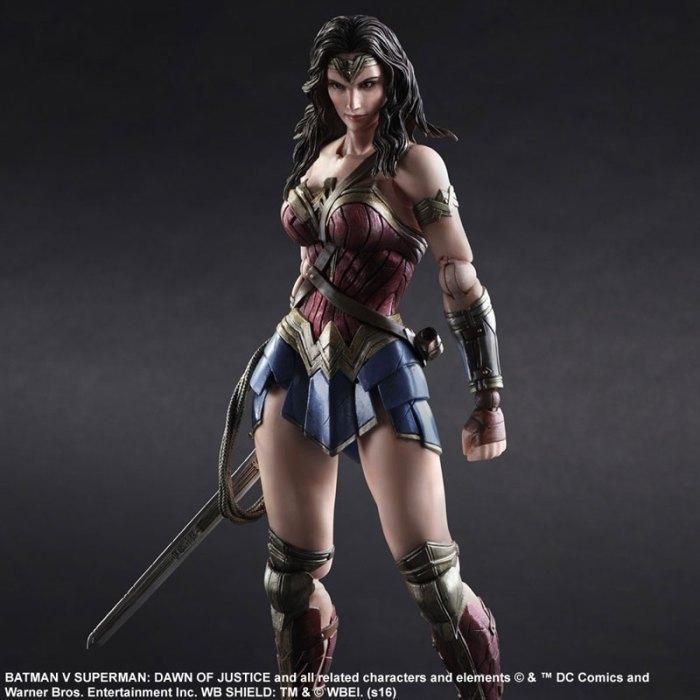 Wonder Woman Batman Vs Superman Square Enix pre 03