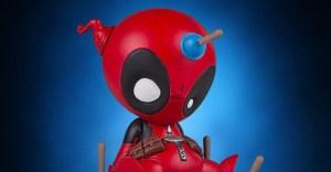 Gentle-Giant-Animated-Deadpool-Statue-002-928x483