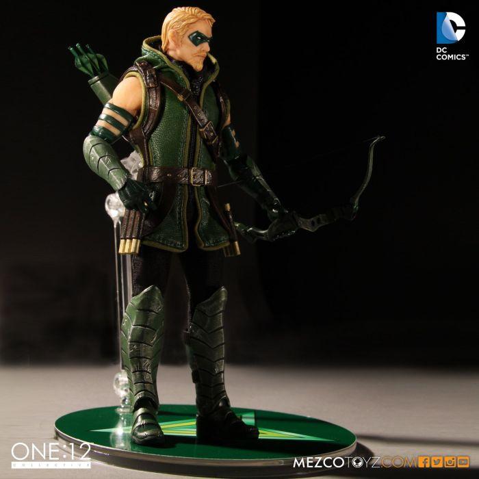 MezcoOne12-Collective-Green-Arrow-006