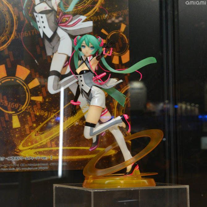 Miku Hatsune Nijigen Dream Fever ver. da ''Vocaloid''