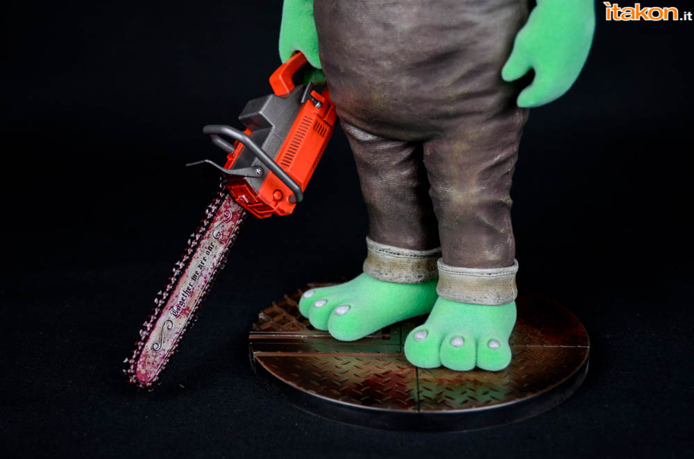 Gecco_Robbie_The_Rabbit_Chainsaw (1)