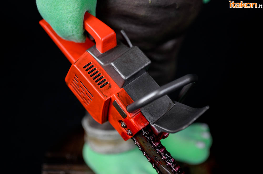 Gecco_Robbie_The_Rabbit_Chainsaw (5)