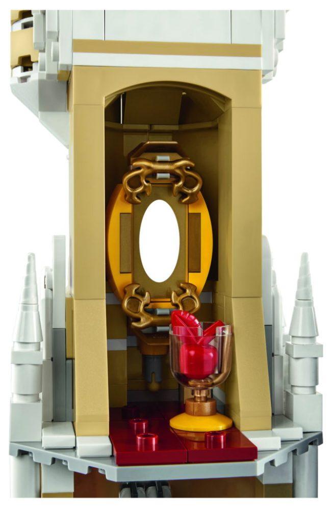 LEGO-71040-Disney-Castle-Snow-White-Mirror-667x1024