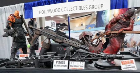 SDCC-2016-Hollywood-Collectibles-Group-122-928x483