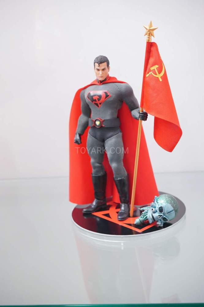 SDCC-2016-Mezco-One12-DC-Comics-024