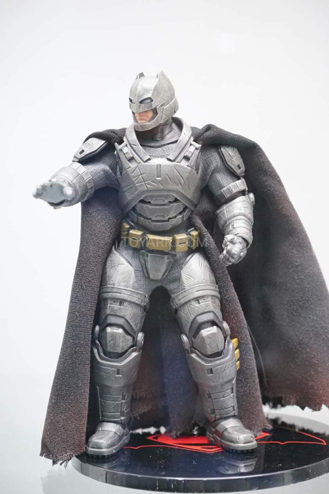 SDCC-2016-Mezco-One12-DC-Comics-033