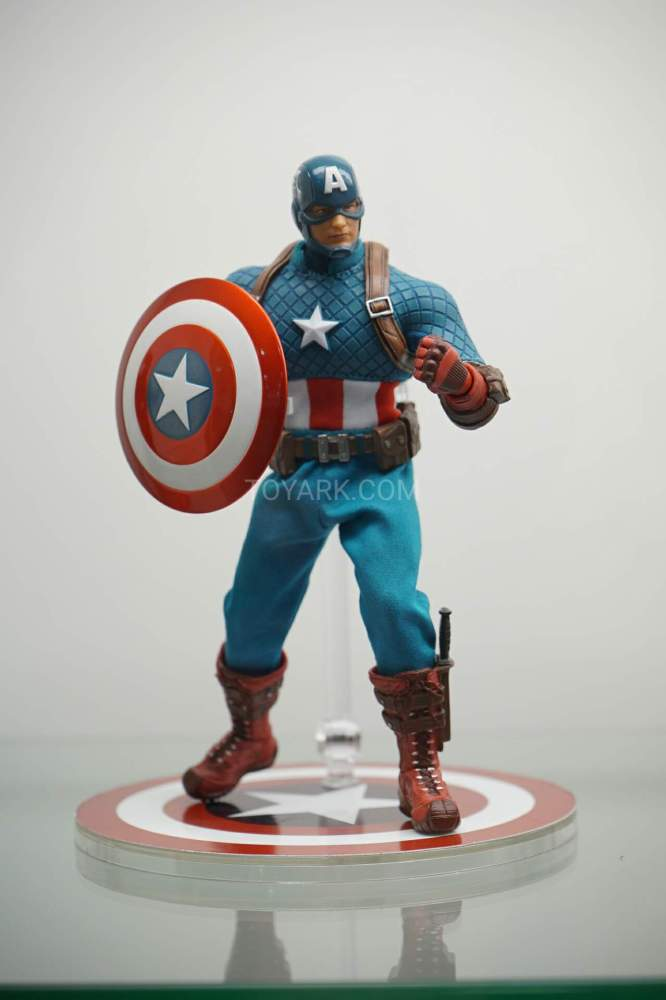SDCC-2016-Mezco-One12-Marvel-018