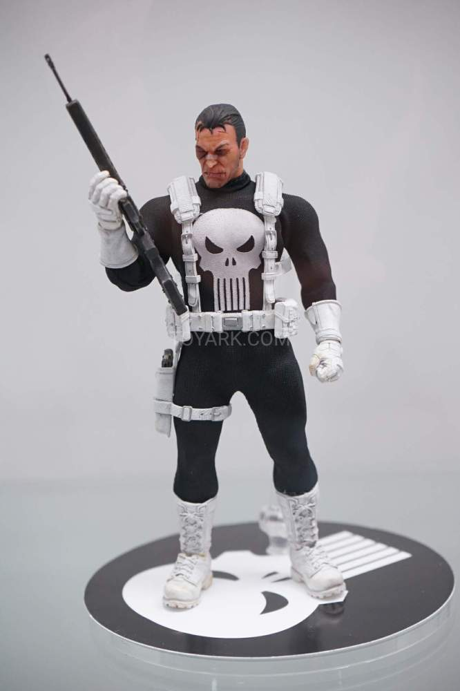 SDCC-2016-Mezco-One12-Marvel-027