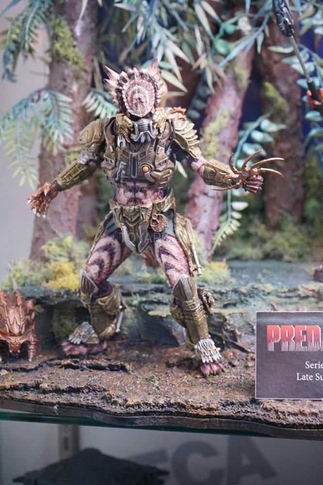 SDCC-2016-NECA-AvP-and-Predators-003